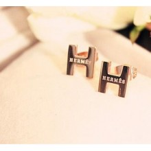"Classic Hermes ""H"" LOGO Earring With Pink Gold"