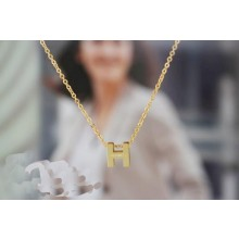 "Hermes ""H"" letter cham with O chain necklace, 18k yellow gold"