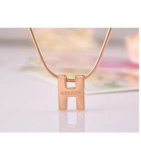 Classic Hermes Logo Necklace with Yellow Gold