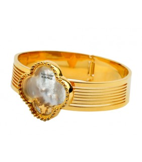 Van Cleef & Arpels Vintage Alhambra Banlge in 18kt Yellow Gold with Mother of Pearl