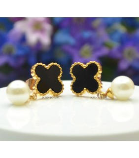 Van Cleef & Arpels Sweet Alhambra Clover Mini Earrings in Yellow Gold With Black Onyx