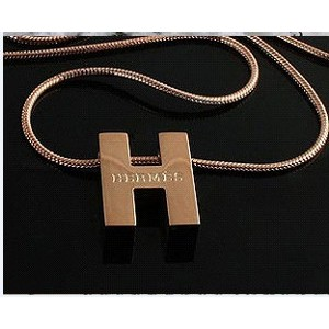 Classic Hermes Logo Necklace with Pink Gold
