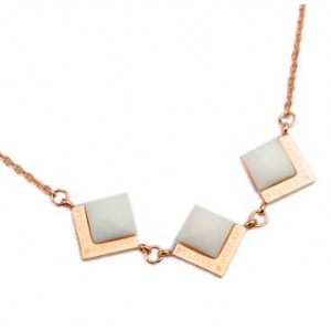 Bvlgari Necklace in 18kt Pink Gold